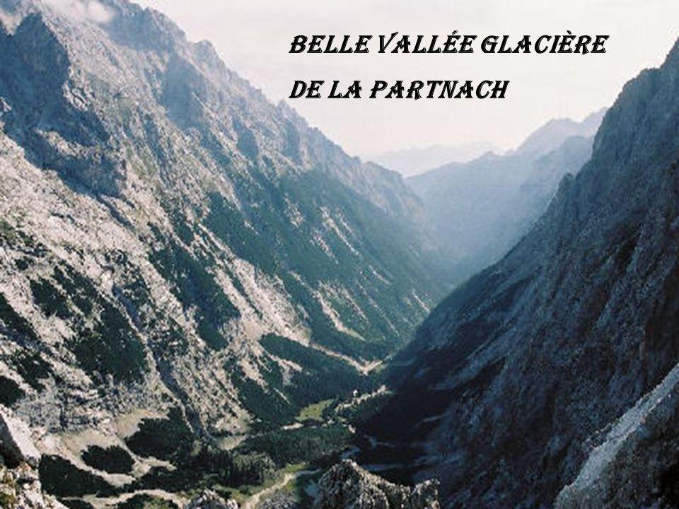 Belle vallée glacière de la Partnach