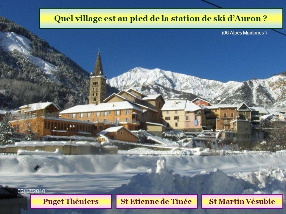Quel village est au pied de la station de ski d'Auron