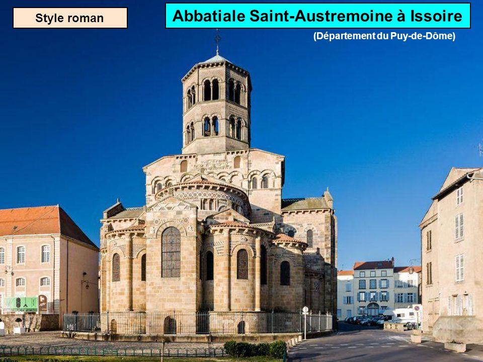 Abbatiale Saint-Austremoine à Issoire (Département du Puy-de-Dôme)