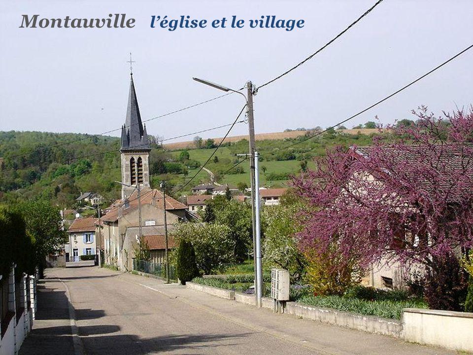 Montauville l'église et le village