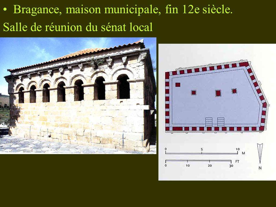 Bragance, maison municipale, fin 12e siècle.
