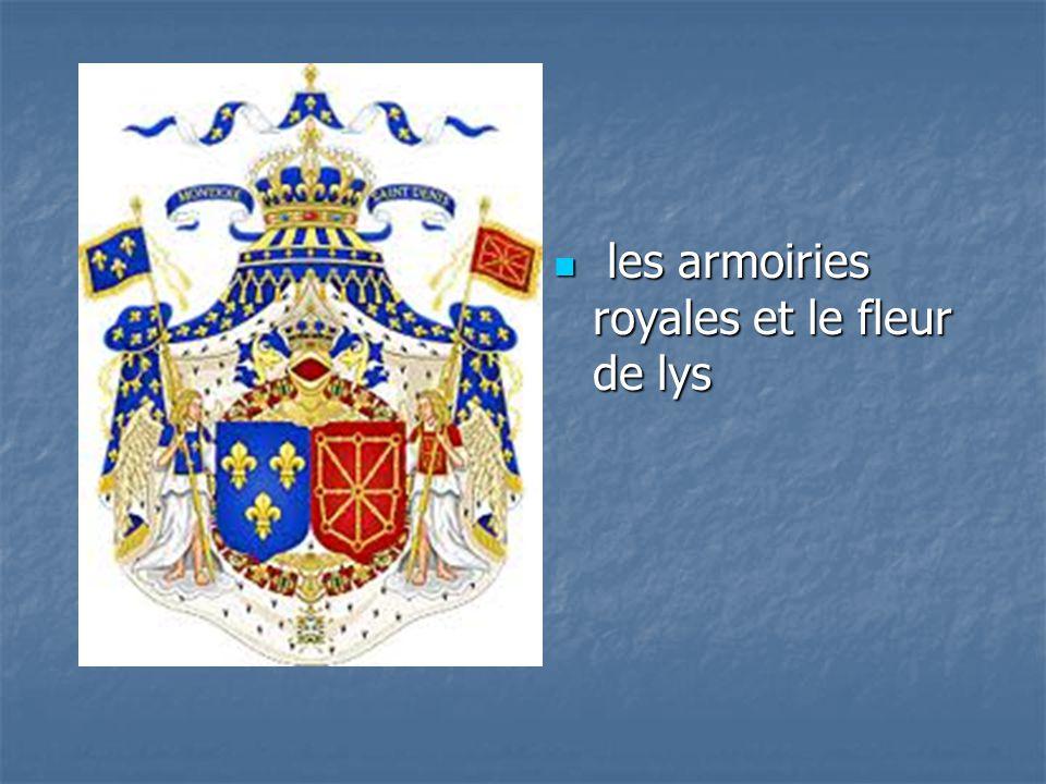 les armoiries royales et le fleur de lys