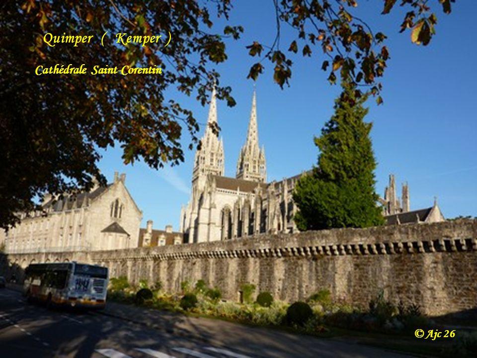 Quimper ( Kemper ) Cathédrale Saint-Corentin © Ajc 26