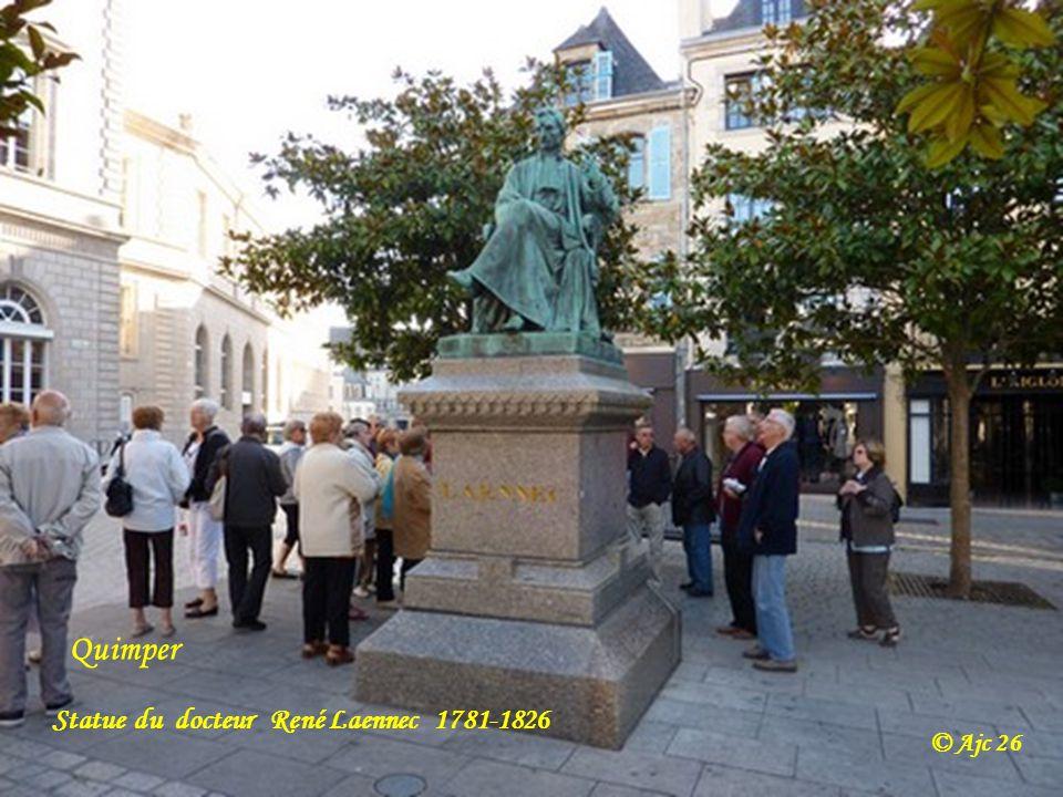 Quimper Statue du docteur René Laennec 1781-1826 © Ajc 26