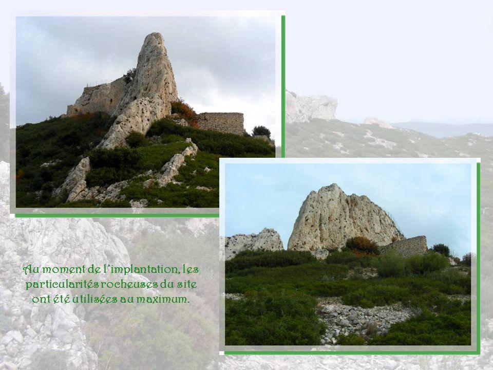 Au moment de l'implantation, les particularités rocheuses du site ont été utilisées au maximum.