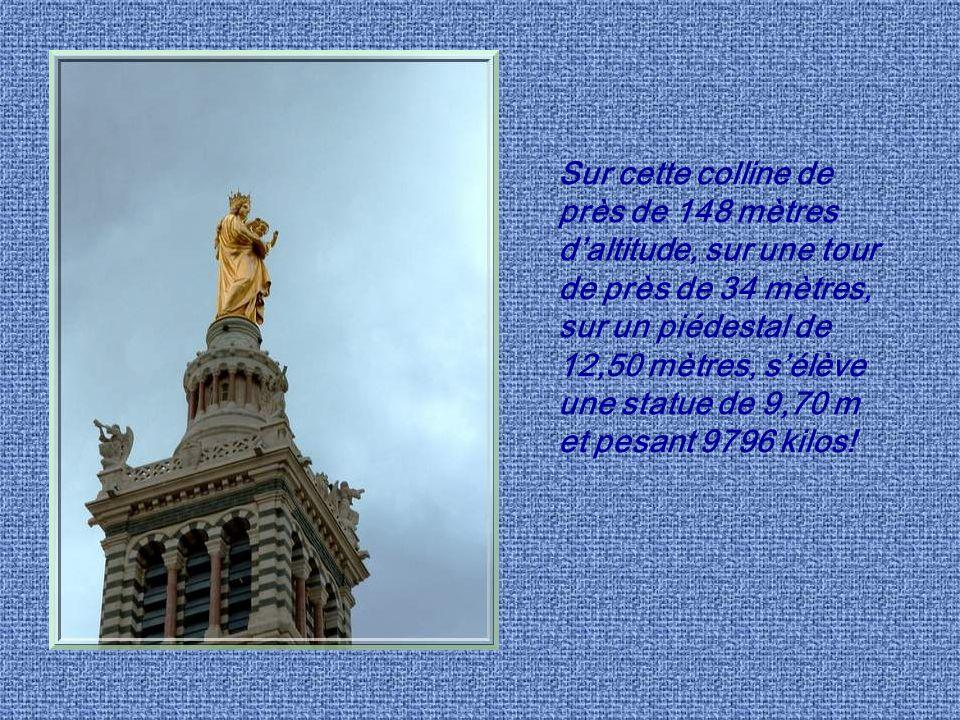 Sur cette colline de près de 148 mètres d'altitude, sur une tour de près de 34 mètres, sur un piédestal de 12,50 mètres, s'élève une statue de 9,70 m et pesant 9796 kilos!