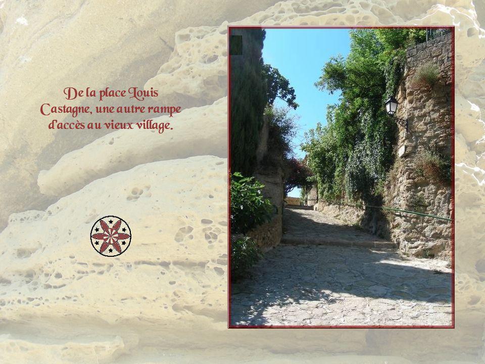De la place Louis Castagne, une autre rampe d'accès au vieux village.