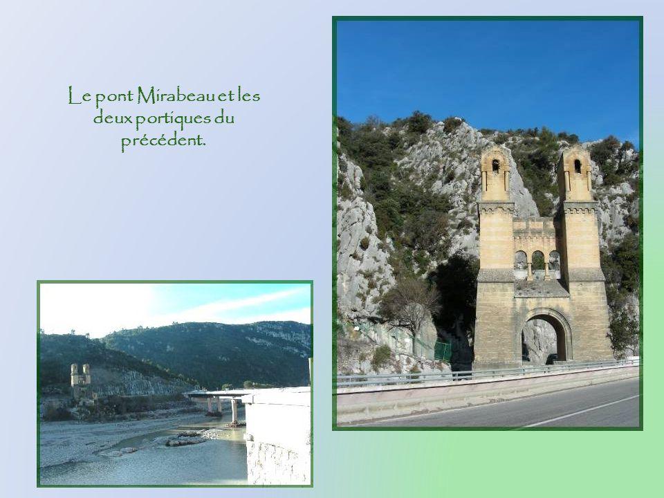 Le pont Mirabeau et les deux portiques du précédent.