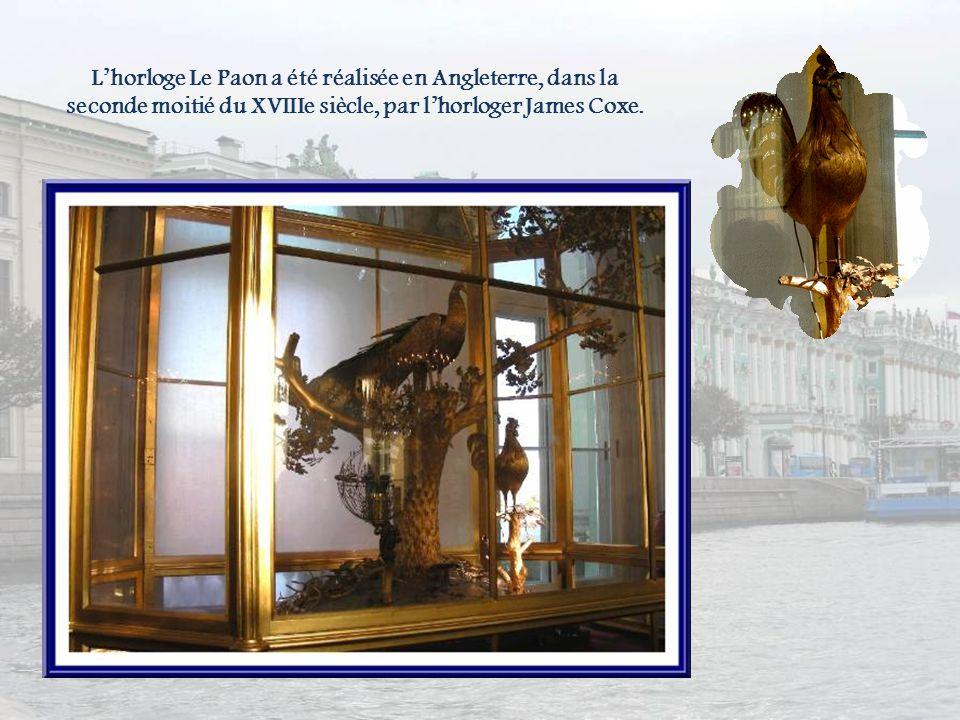 L'horloge Le Paon a été réalisée en Angleterre, dans la seconde moitié du XVIIIe siècle, par l'horloger James Coxe.