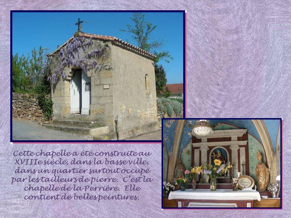 Cette chapelle a été construite au XVIIIe siècle, dans la basse ville, dans un quartier surtout occupé par les tailleurs de pierre.