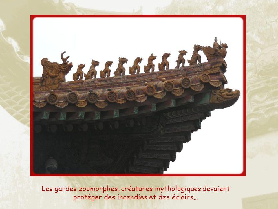 Les gardes zoomorphes, créatures mythologiques devaient protéger des incendies et des éclairs…