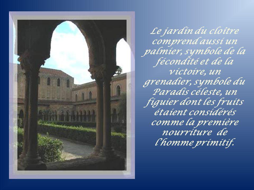 Le jardin du cloître comprend aussi un palmier, symbole de la fécondité et de la victoire, un grenadier, symbole du Paradis céleste, un figuier dont les fruits étaient considérés comme la première nourriture de l'homme primitif.
