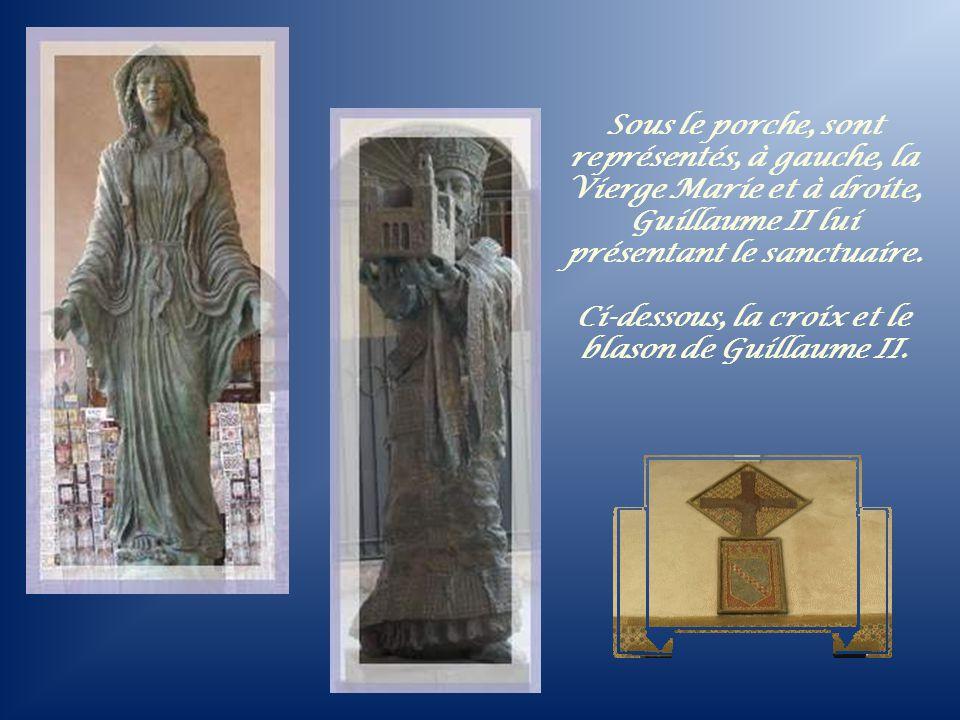 Ci-dessous, la croix et le blason de Guillaume II.