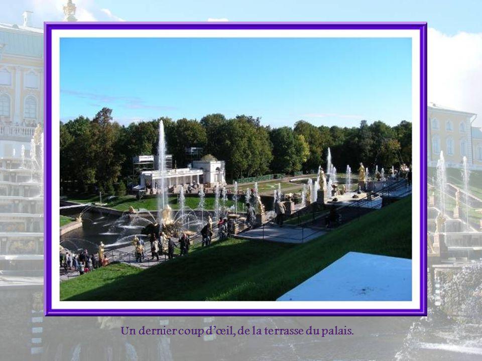 Un dernier coup d'œil, de la terrasse du palais.