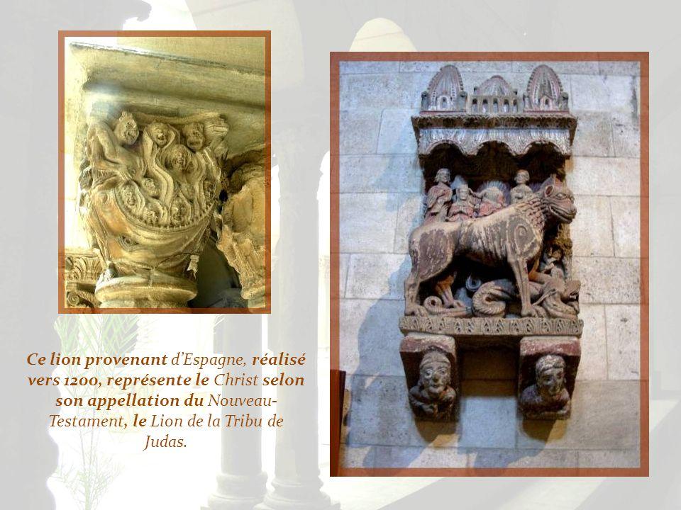 Ce lion provenant d'Espagne, réalisé vers 1200, représente le Christ selon son appellation du Nouveau-Testament, le Lion de la Tribu de Judas.
