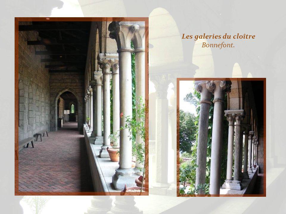 Les galeries du cloître Bonnefont.