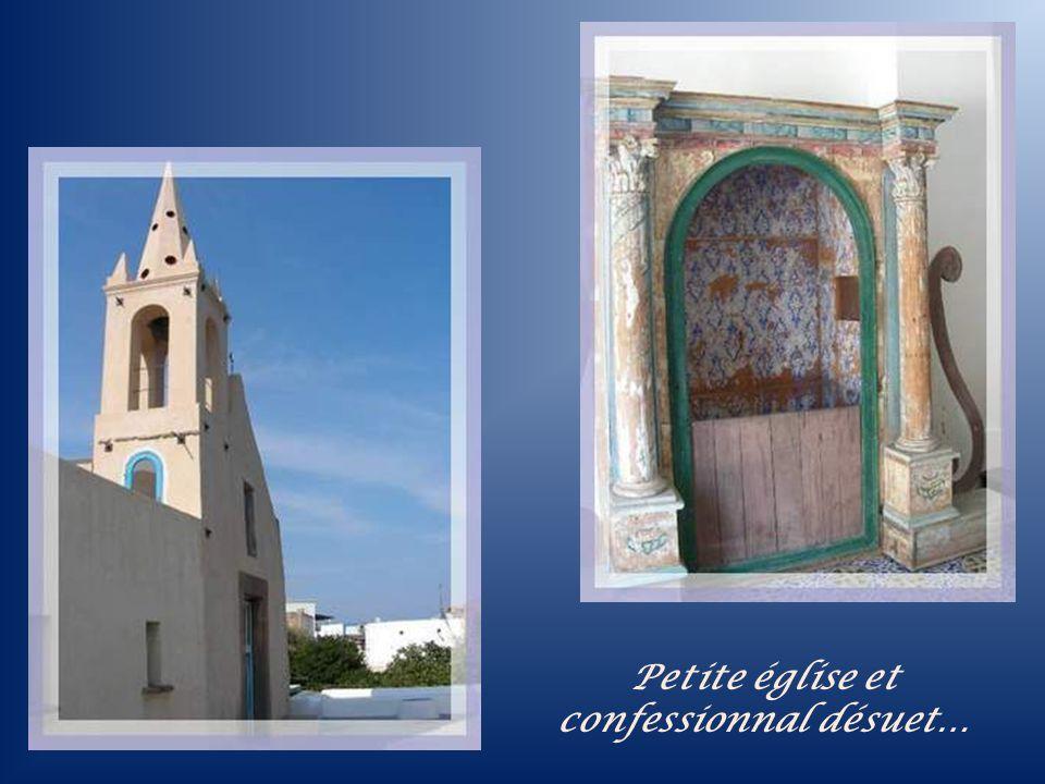 Petite église et confessionnal désuet…