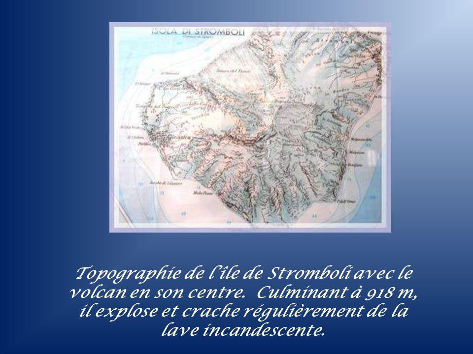 Topographie de l'île de Stromboli avec le volcan en son centre