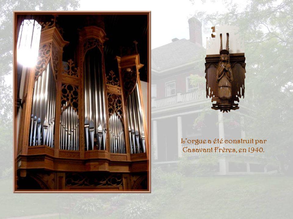 L'orgue a été construit par Casavant Frères, en 1940.