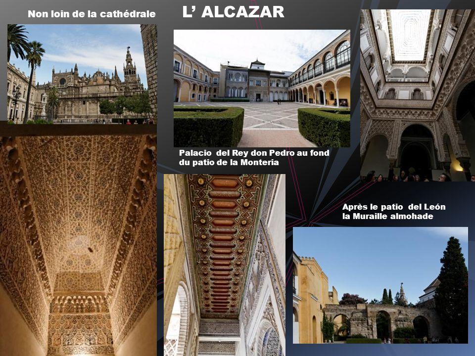 Non loin de la cathédrale L' ALCAZAR