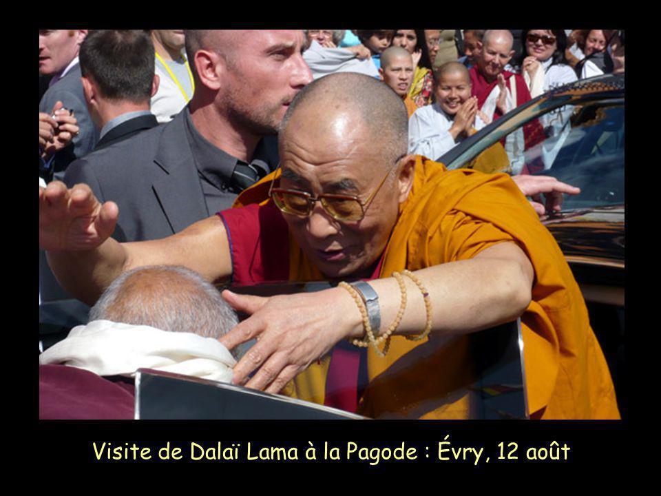 Visite de Dalaï Lama à la Pagode : Évry, 12 août