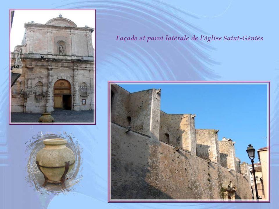 Façade et paroi latérale de l'église Saint-Géniès