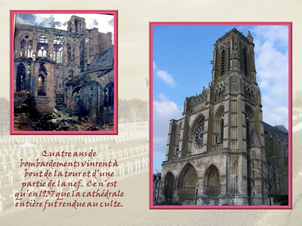 Quatre ans de bombardements vinrent à bout de la tour et d'une partie de la nef.