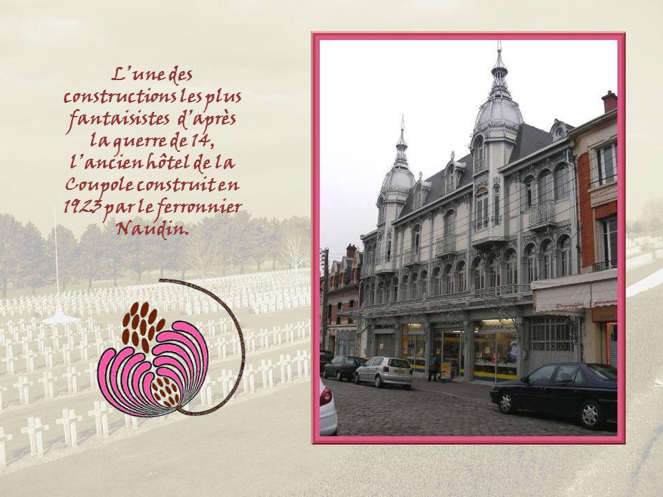 L'une des constructions les plus fantaisistes d'après la guerre de 14, l'ancien hôtel de la Coupole construit en 1923 par le ferronnier Naudin.