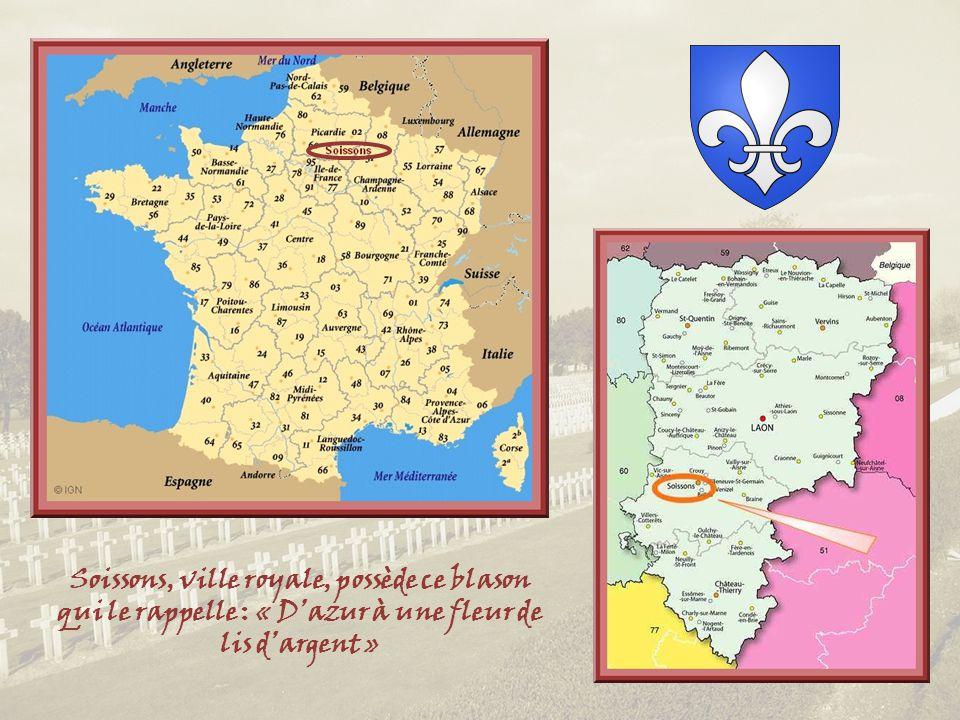 Soissons, ville royale, possède ce blason qui le rappelle : « D'azur à une fleur de lis d'argent »