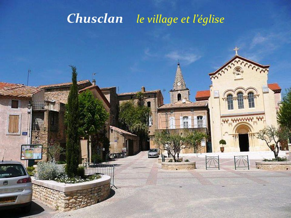 Chusclan le village et l'église