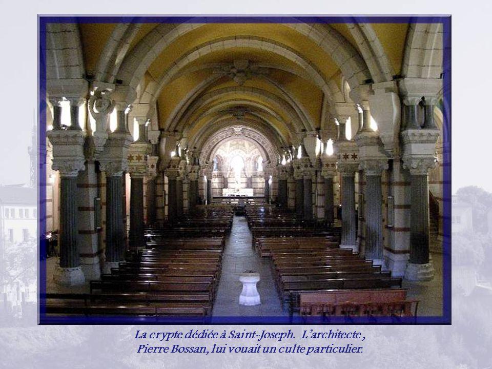 La crypte dédiée à Saint-Joseph. L'architecte ,