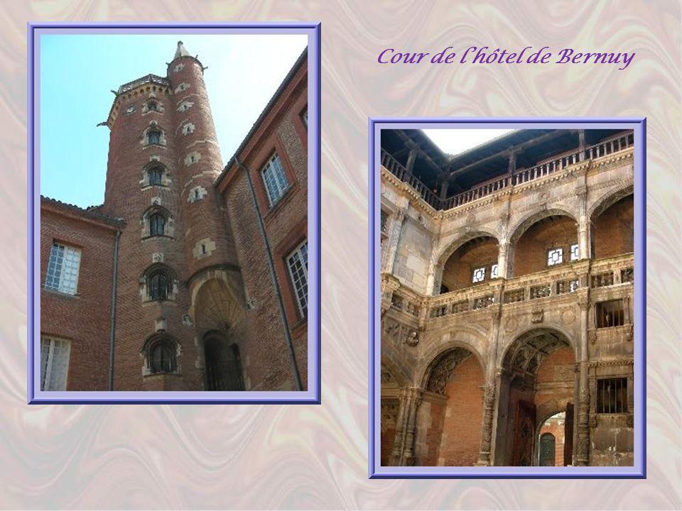Cour de l'hôtel de Bernuy
