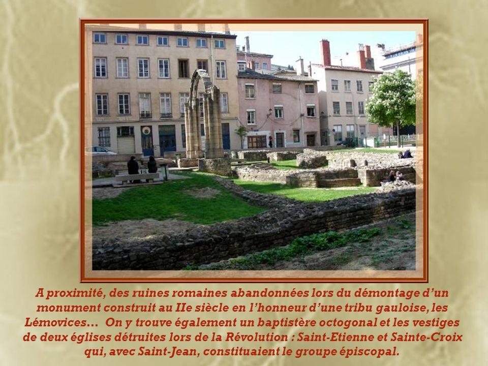 A proximité, des ruines romaines abandonnées lors du démontage d'un monument construit au IIe siècle en l'honneur d'une tribu gauloise, les Lémovices… On y trouve également un baptistère octogonal et les vestiges de deux églises détruites lors de la Révolution : Saint-Etienne et Sainte-Croix qui, avec Saint-Jean, constituaient le groupe épiscopal.