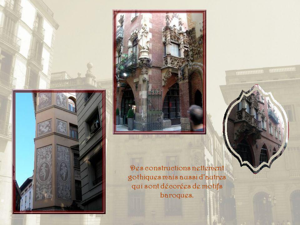 Des constructions nettement gothiques mais aussi d'autres qui sont décorées de motifs baroques.