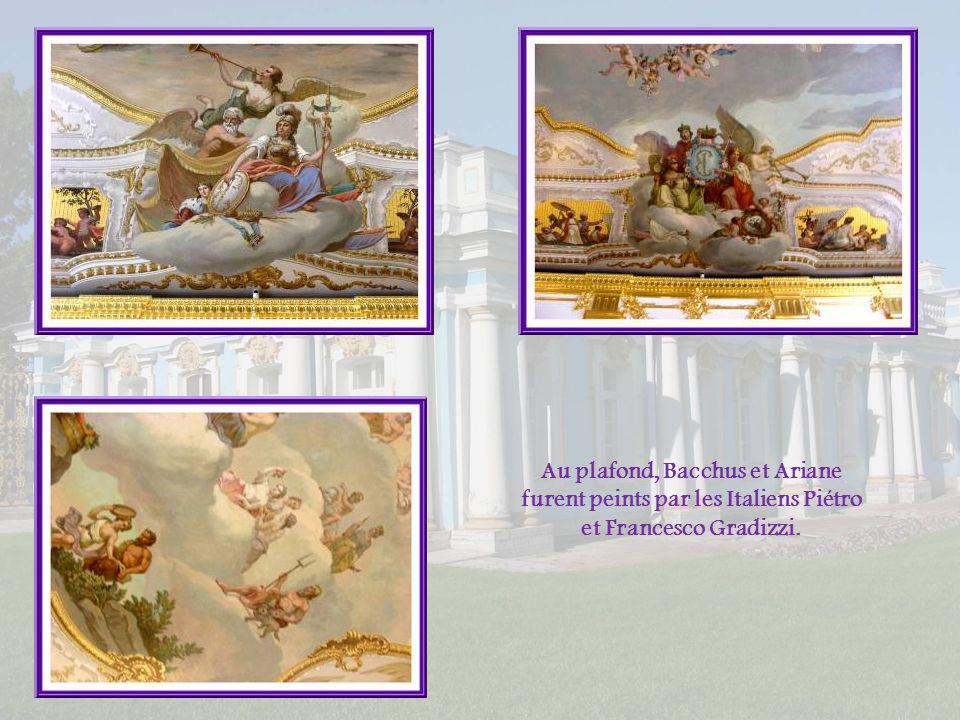 Au plafond, Bacchus et Ariane furent peints par les Italiens Piétro et Francesco Gradizzi.