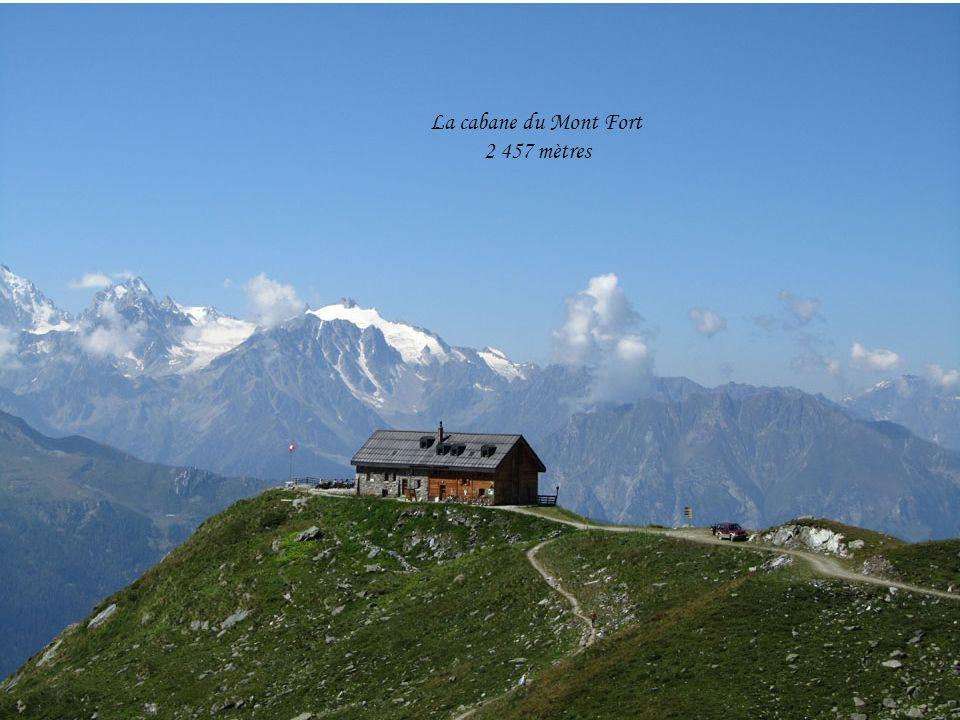 La cabane du Mont Fort 2 457 mètres