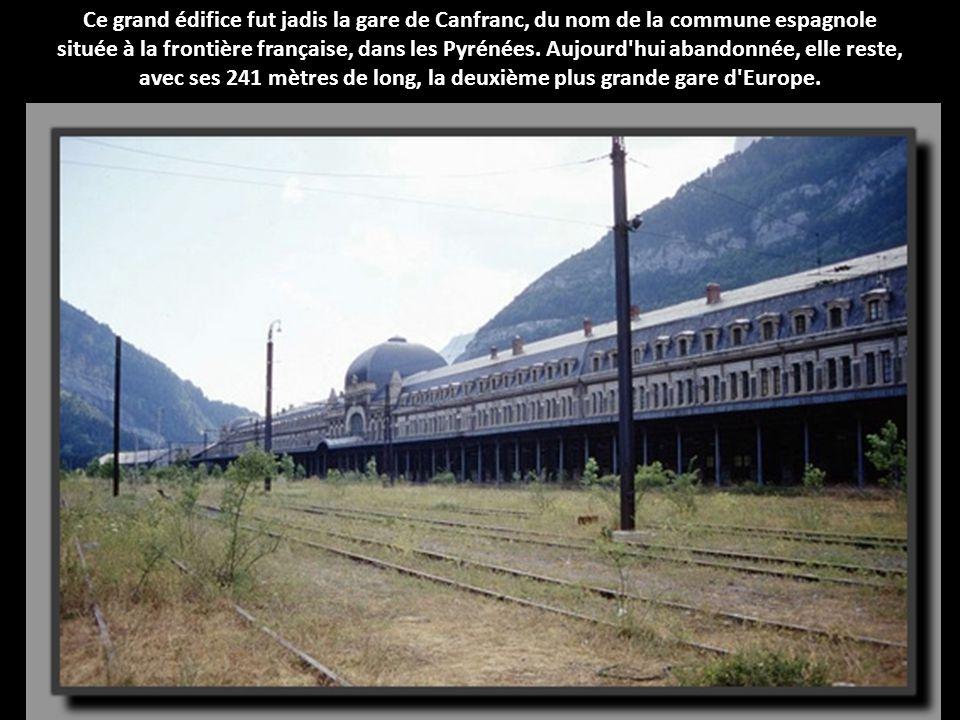 avec ses 241 mètres de long, la deuxième plus grande gare d Europe.