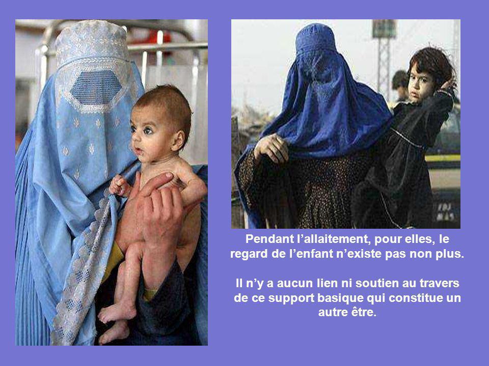 Pendant l'allaitement, pour elles, le regard de l'enfant n'existe pas non plus.