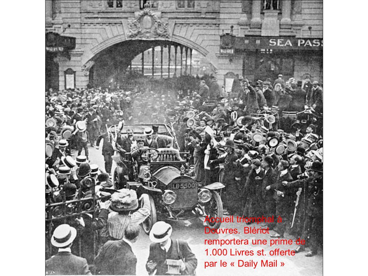 Accueil triomphal à Douvres. Blériot remportera une prime de 1