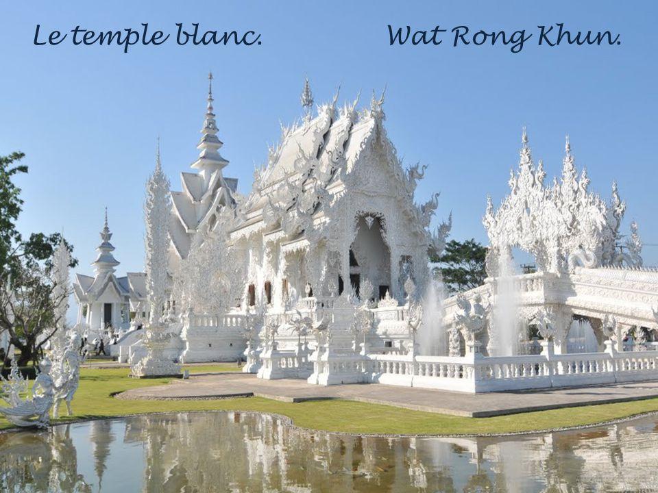 Le temple blanc. Wat Rong Khun.