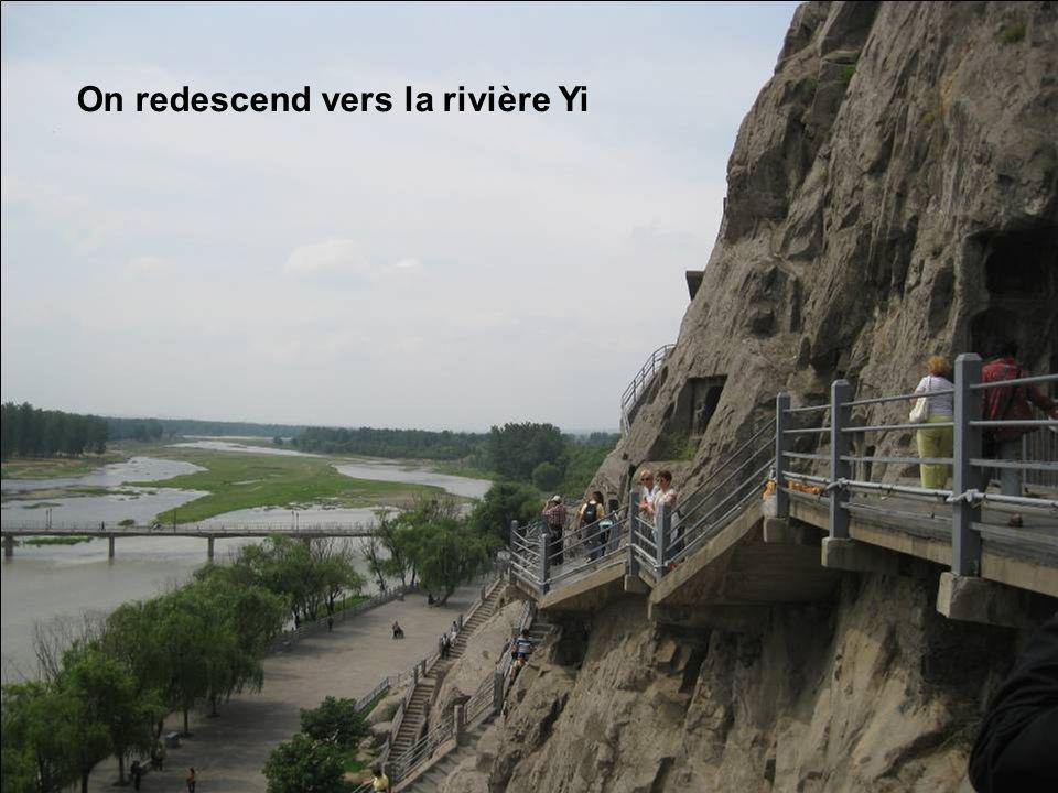 On redescend vers la rivière Yi