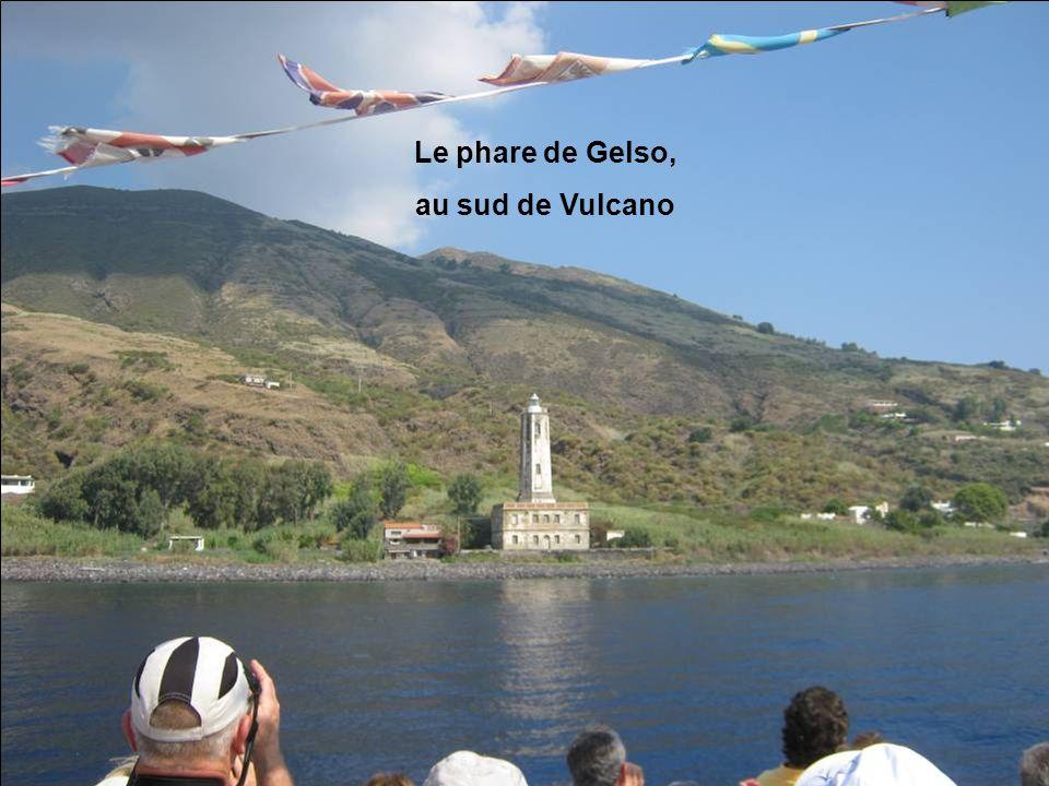 Le phare de Gelso, au sud de Vulcano