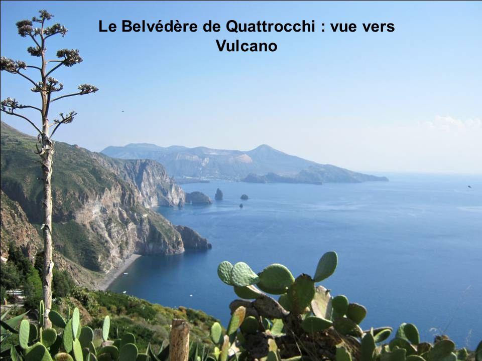 Le Belvédère de Quattrocchi : vue vers Vulcano