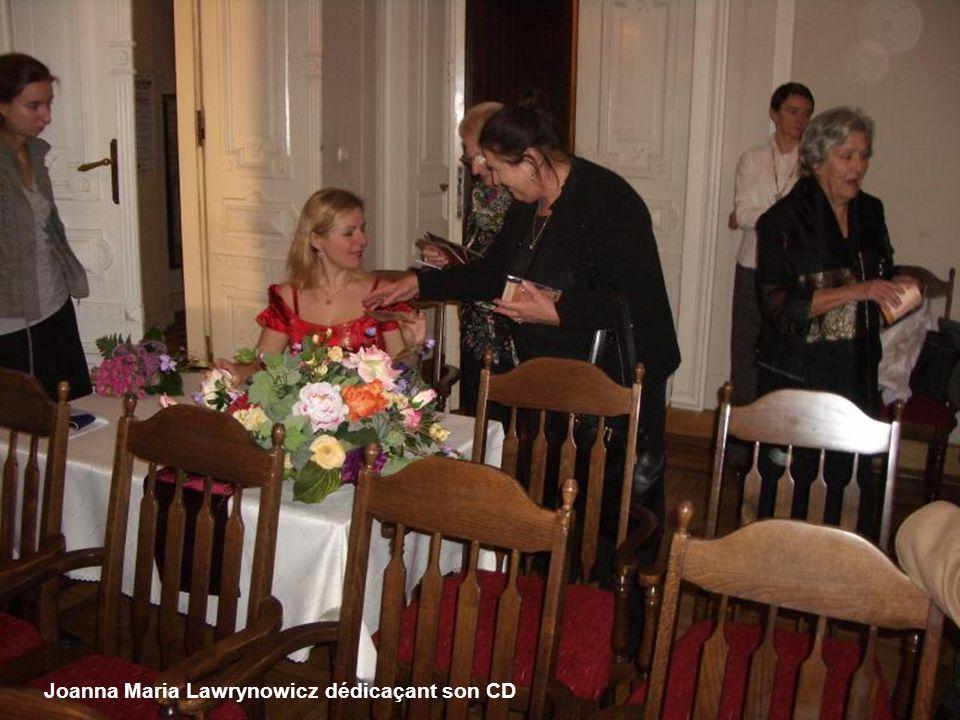 Joanna Maria Lawrynowicz dédicaçant son CD