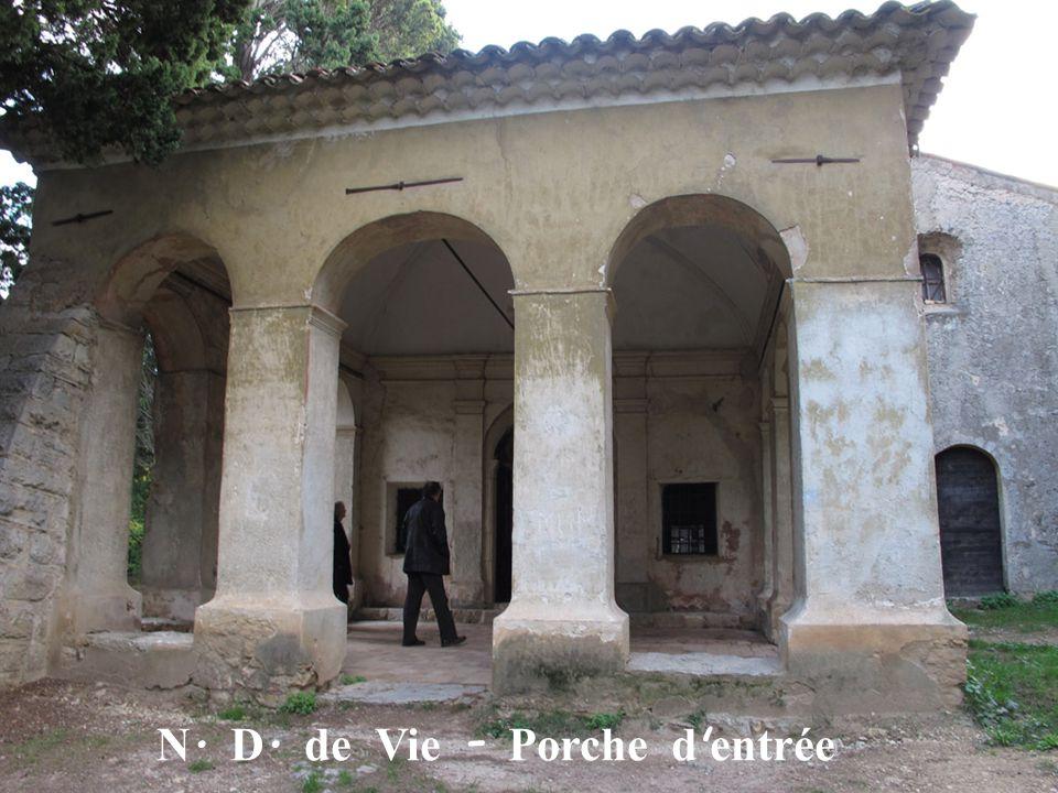 N. D. de Vie - Porche d entrée