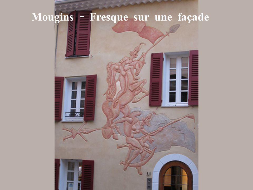 Mougins - Fresque sur une façade