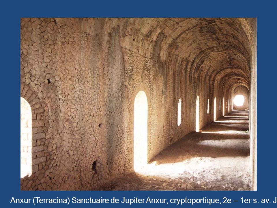 Anxur (Terracina) Sanctuaire de Jupiter Anxur, cryptoportique, 2e – 1er s. av. J.-C.