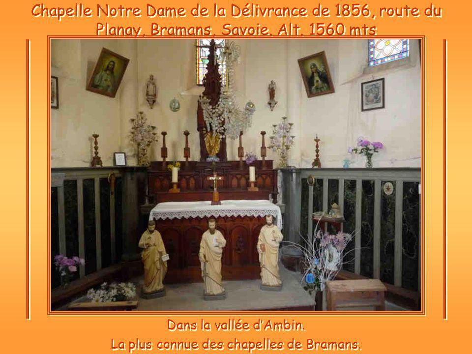 Dans la vallée d'Ambin. La plus connue des chapelles de Bramans.