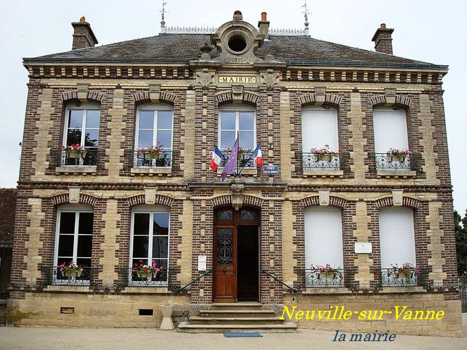 Neuville-sur-Vanne . la mairie