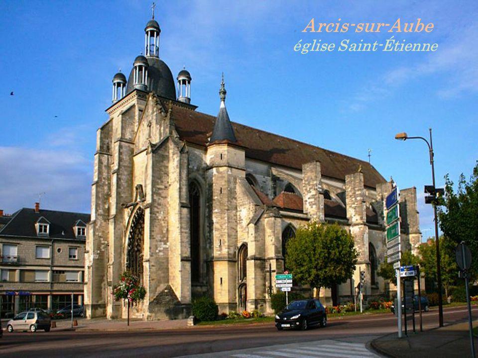 . Arcis-sur-Aube église Saint-Étienne